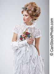 modelo moda, em, flossy, vestido branco, e, grinalda, de, flores