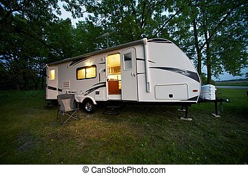 25 Feet Travel Trailer - Modern 25 Feet Travel Trailer -...