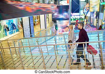 Modern Family in Shopping Mall