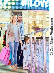 Modern Family Shopping