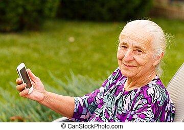 modern, nagyanyó