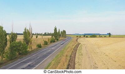 moderne, environment., équitation, long, coup, véhicule, rural, voler, jeûne, vue, mouvement, highway., sur, dos, campagne, électrique, nouveau, dépassement, lent, conduite, aérien, road., motorway., trafic, voiture
