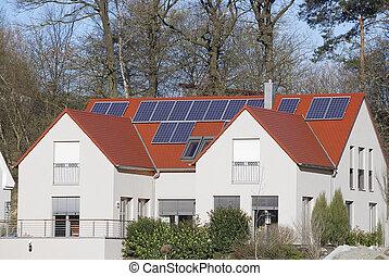 Maison moderne solaire contr leurs contr leurs for Maison moderne electricite