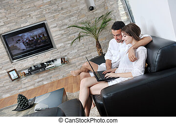 moderne, relâcher, ordinateur portable, travail, joyeux, informatique, maison, couple