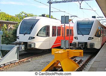 moderne, trein, dichtbij, de, tussenverdieping, perron, van, spoorwegstation