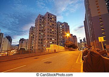 moderne, urbain, ville, soir, à, autoroute, trafic