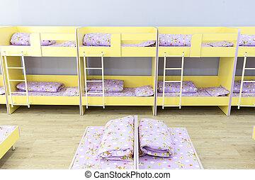 Letto Piccolo Per Bambini.Dormitorio Letti Piccolo Bambini Asilo Letti Molto Dormitorio