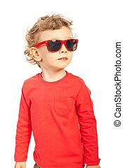 moderno, capretto, ragazzo, con, occhiali da sole