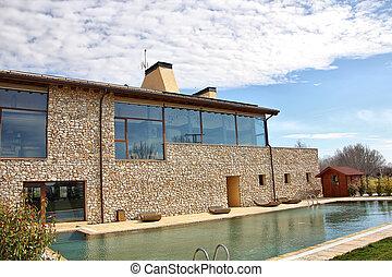 moderno, casa, con, windows, y, grande, piscina