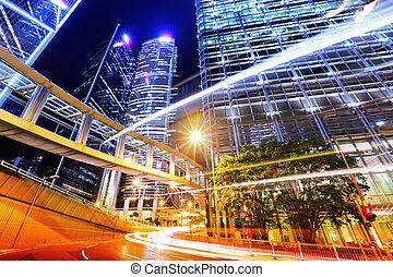 moderno, ciudad, con, tráfico, rastro