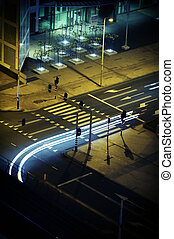 moderno, ciudad, infraestructura, por la noche