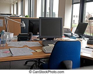 moderno, computadoras, en, él, oficina corporativa