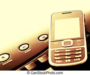 moderno, comunicación, -, teléfono móvil, y, e-mail