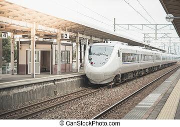 modernos, trem velocidade alto, em, a, estradas ferro, station.