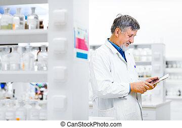 modifié tonalité, image), sien, tablette, travail, informatique, utilisation, personne agee, (color, doctor/scientist