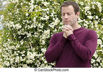 modlący się, człowiek, jego, interlocked., siła robocza