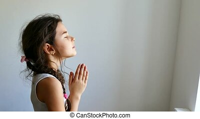 modlący się, dziewczyna, kościół, naście, modlitwa, wiara, ...