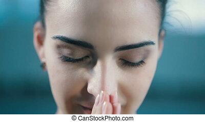 modlący się, portret, kobieta