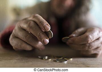 moedas, mãos sujas, sênior, contagem, homem