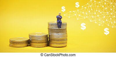 moedas., negócio, sentando, concept., pilha, homem negócios, prata