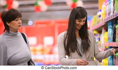 moeder en dochter, in, supermarkt