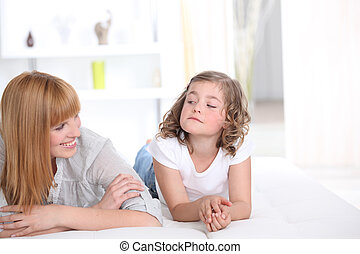 moeder en dochter, thuis