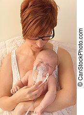 moeder, het vergasten, baby met, aërosol