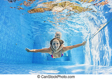 moeder, met kind, zwemmen, en, duiken, onderwater, in, pool