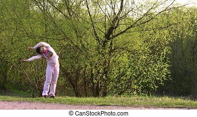 moeder, met, meisje, toneelstuk, in park
