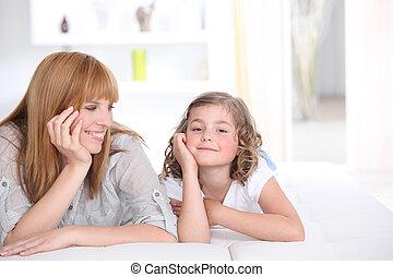 moeder, uitgeven, tijd, met, dochter