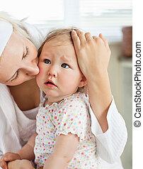 moeder, zorgend voor, haar, vrouwelijk kind