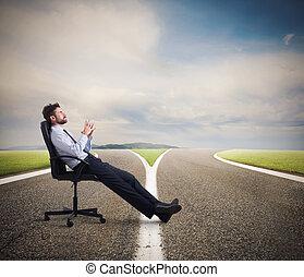 moeilijk, keuzes, van, een, zakenman, op, een, crossroads., concept, van, verwarring