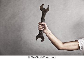 moersleutel, moersleutel, werktuig, in, hand, van, vrouwlijk, arbeider