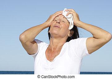 moget kvinna, förbrukad, stressa, svettas