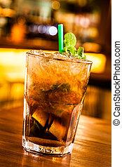 Mohito - Pict of a cold mohito in a pub.