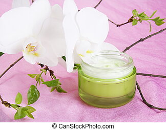 Moisturizer with White Orchid