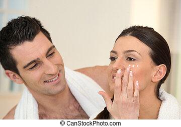 moisturizing, 女, クリームをつける