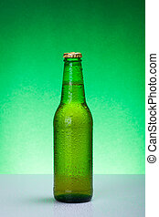 mojado, verde, blanco, botella de cerveza