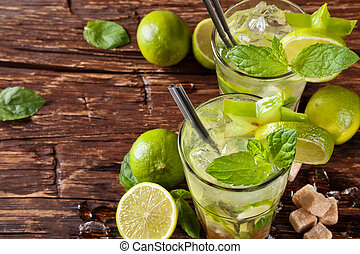 Mojito drinks on wooden planks