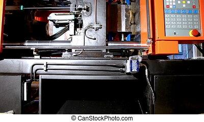 molding press machine prepare hot polyethylene - squeeze...