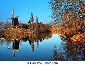 molino de viento, reflexión