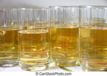 molti, vetro., alcool
