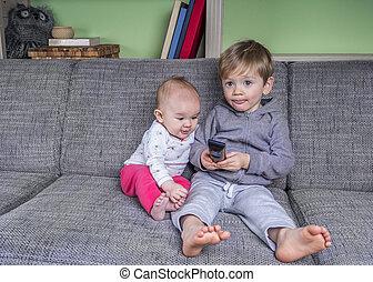 molto, piccolo, televisione, bambini, osservare