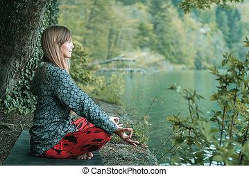 moment, présent, attentif, méditation