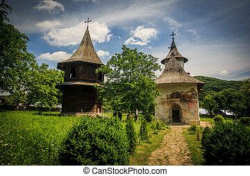 monasterio, patrauti