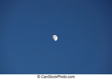 mond, in, a, blauer himmel