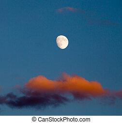 mond, in, der, himmelsgewölbe, und, a, rotes , wolke