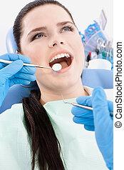 mond, tandarts, onderzoekt, patiënt
