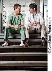 monde médical, avoir, collègues, discussion