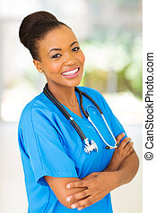 monde médical, interne, coiffure afro femelle américaine